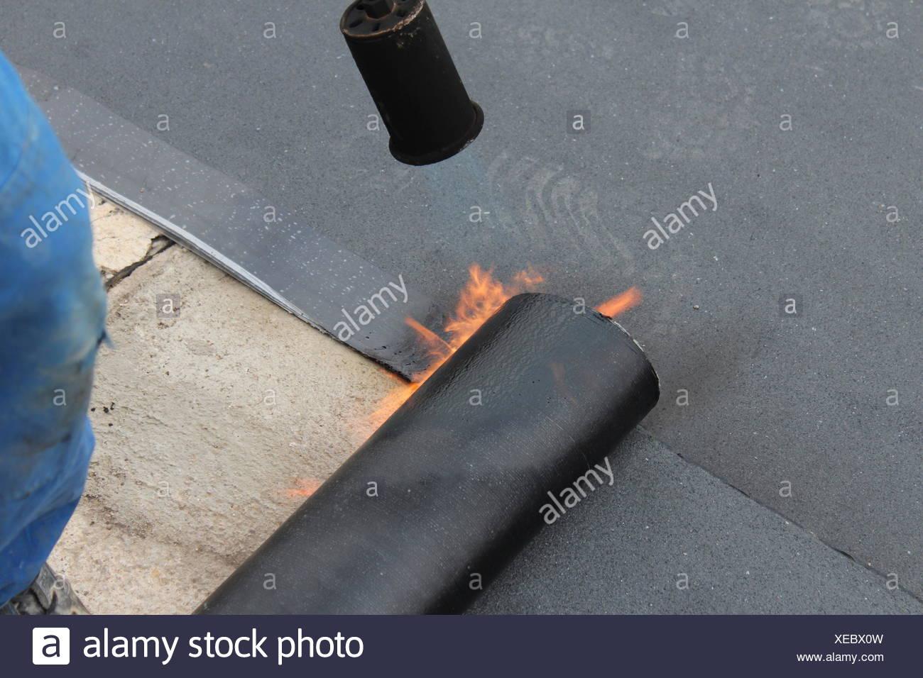 Extrem Abdichtung von einem Flachdach Stockfoto, Bild: 284232953 - Alamy AN95