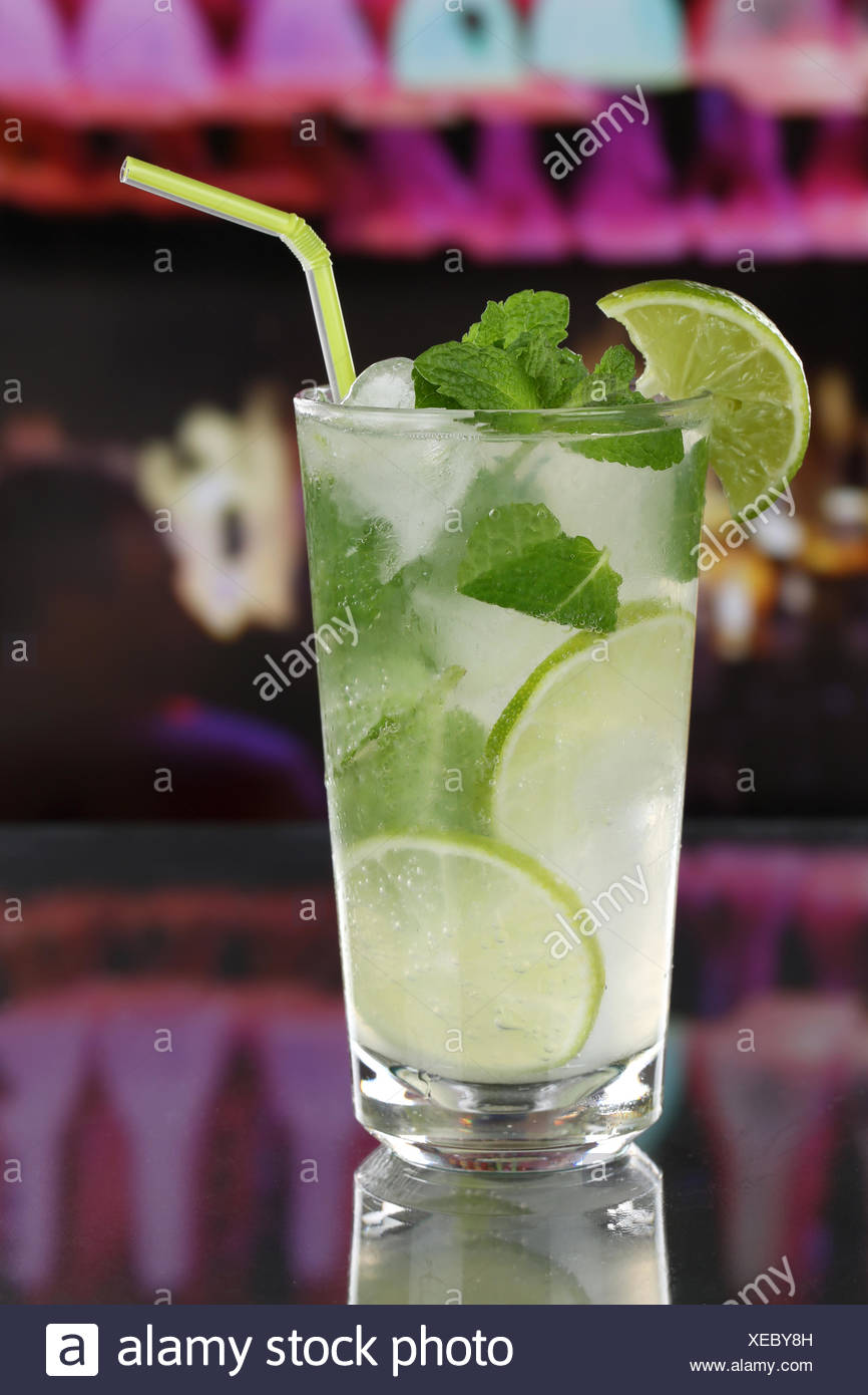 Mojito Cocktail in Einer Bar Oder Party Stockbild