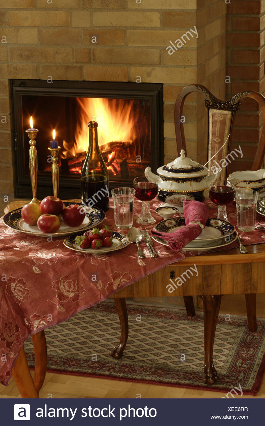 Tisch Bedeckt Porzellan Elegant Schornstein Gerichte China