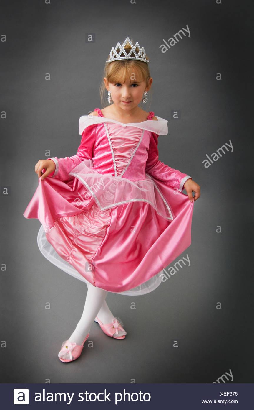 Mädchen in Prinzessin Kostüm Stockbild