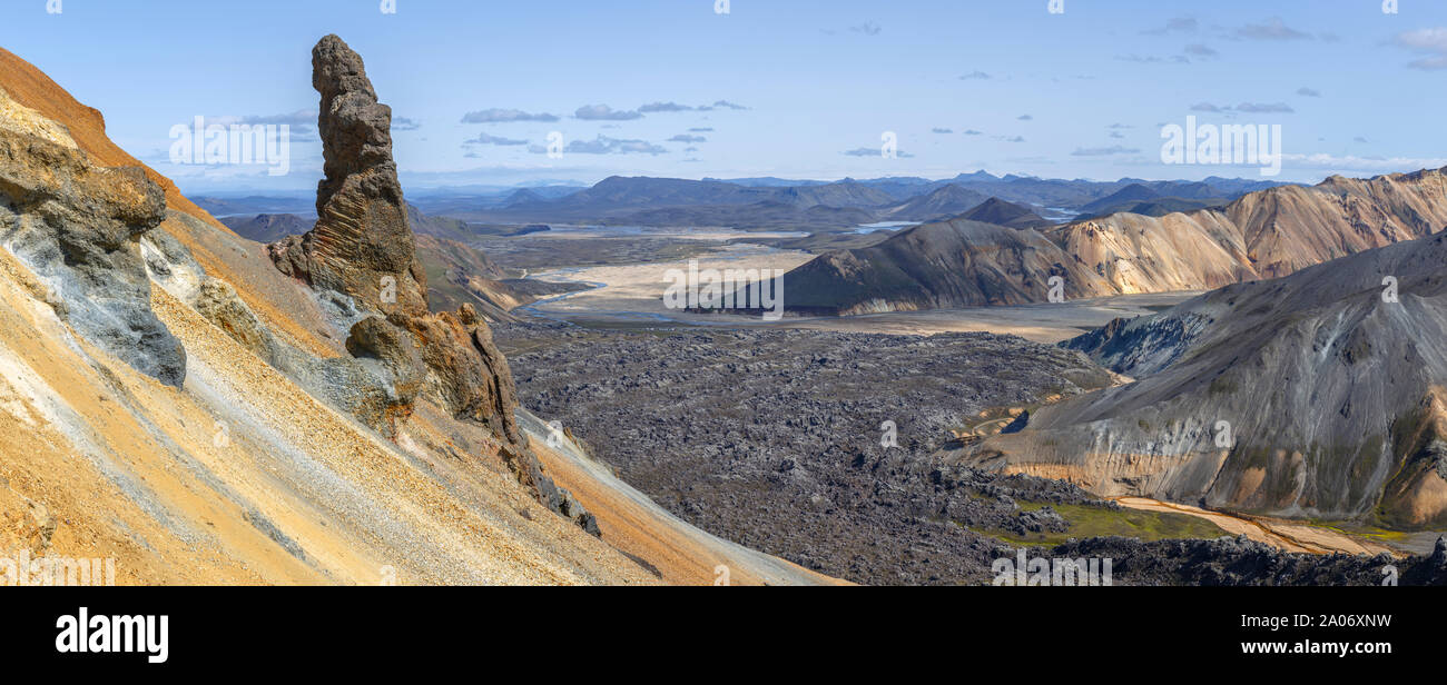 Vista panorámica desde landmannalaugar Brennisteinsalda Pico, Islandia Foto de stock