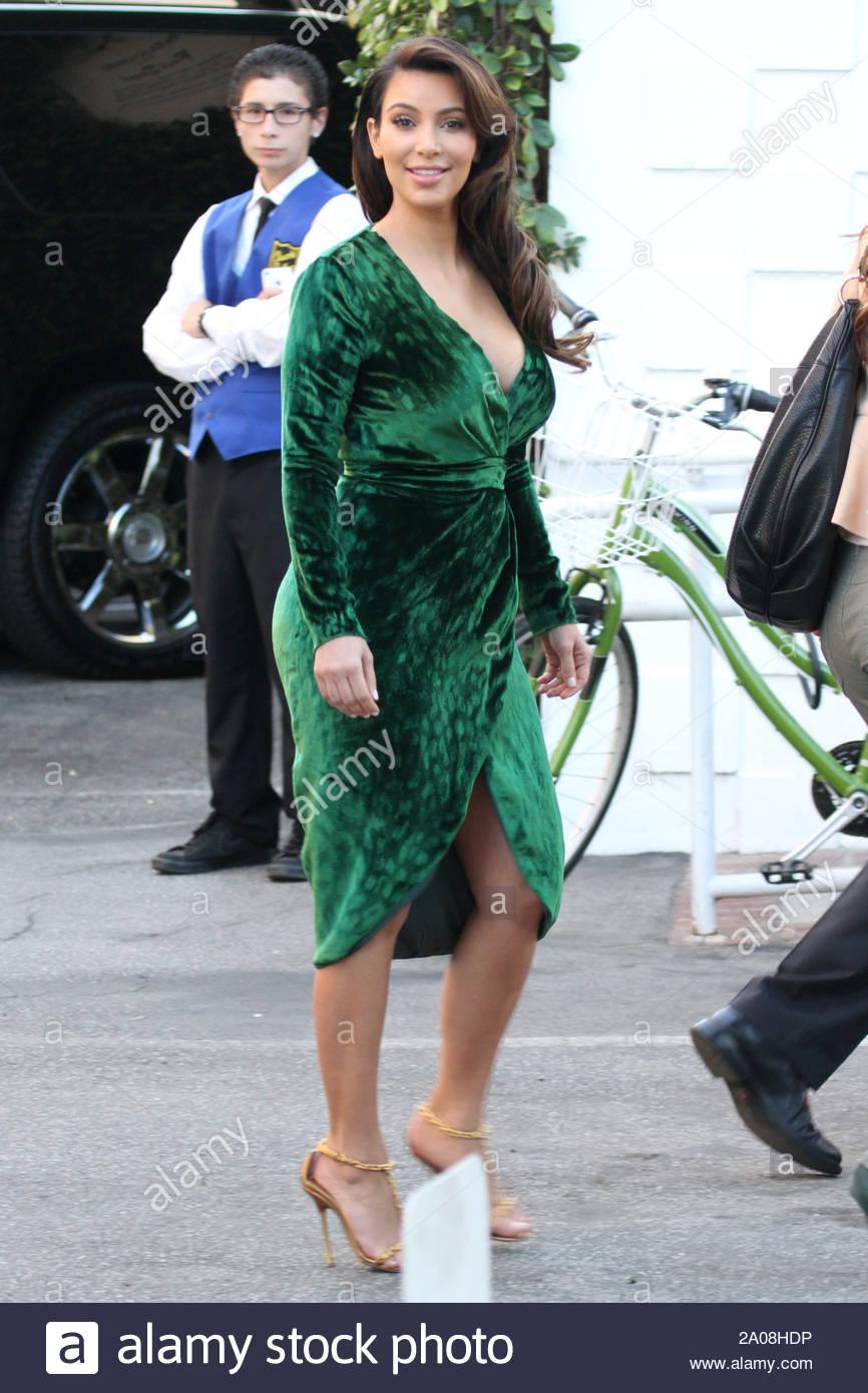 Vestido De Terciopelo Verde Imágenes De Stock & Vestido De