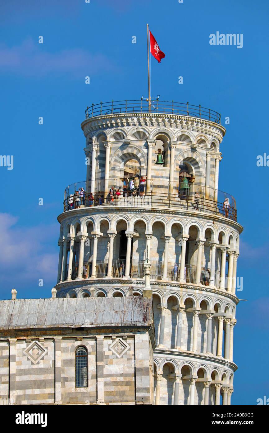 La Torre Inclinada de Pisa, campanario, la Piazza dei Miracoli, en Pisa, Italia Foto de stock