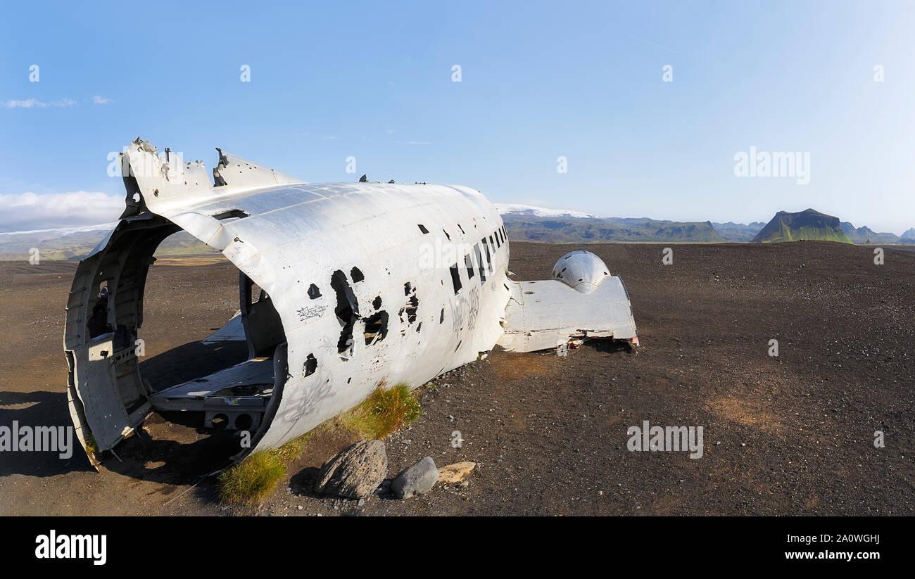 Los abandonados avión hundido en Solheimasandur playa, Islandia Foto de stock