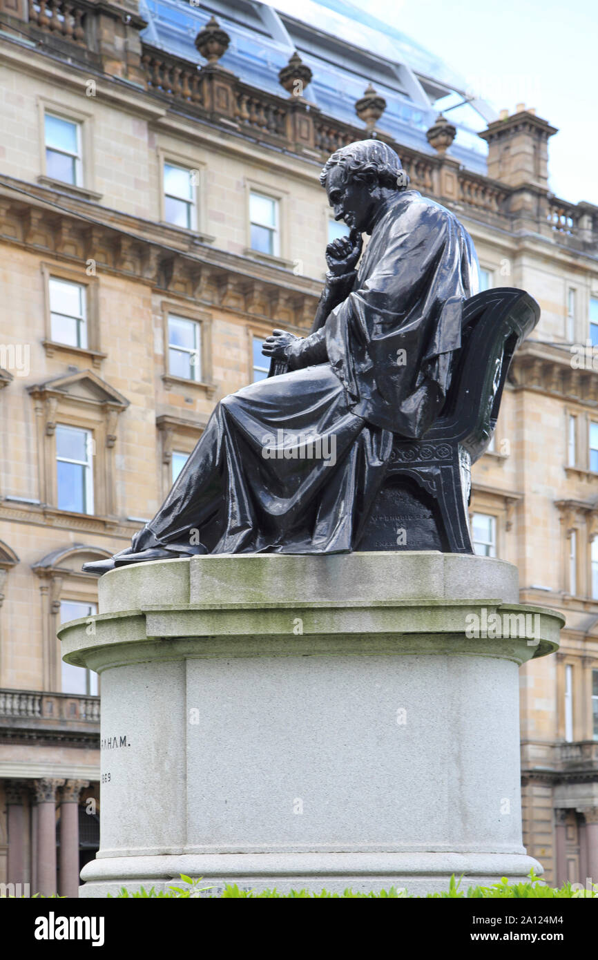 Glasgow George Square estatua de bronce de Thomas Graham, 1805 - 1869 Químico Experimental Foto de stock