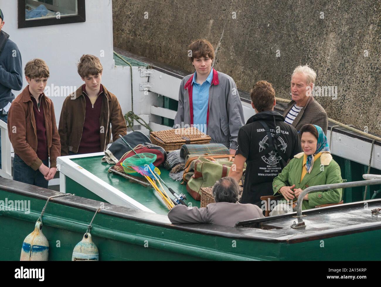 22 de septiembre de 2019. Keiss Harbour, Highlands, Escocia, Reino Unido. Esta es una escena de la filmación de la corona re el Lord Mountbatten asesinato en Irlanda. Foto de stock