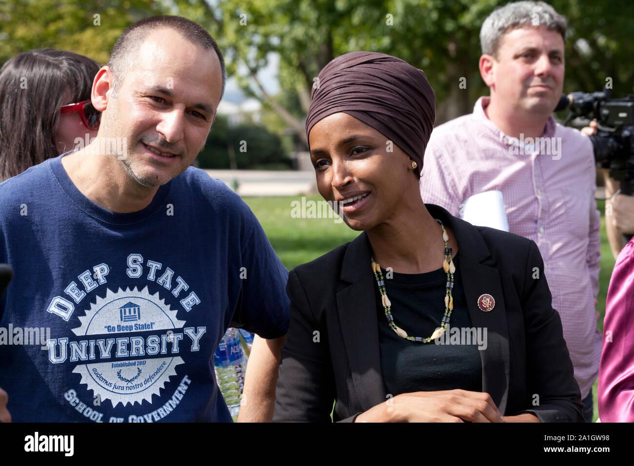 Septiembre 26th, 2019, Washington, DC: US Congresista Ilhan Omar (D-MN), la Congresista Barbara Lee (D-CA), y el Congresista Al Green (D-TX), hablar en un 'Impeach Trump' rally, organizado por Demócratas Progresistas de América, en frente del Capitolio de los EE.UU. Foto de stock