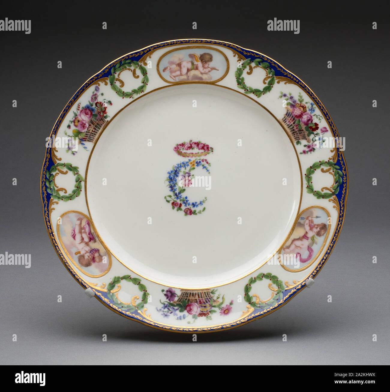 Placa de la Charlotte Louise, 1774, servicio de manufactura de porcelana de Sèvres, Francesa, fundada el año 1740, pintado por Joyau y Massy, Sèvres, soft-pegar porcelana, esmaltes, policromada y dorados, diam. 24,5 cm (9 5/8 pulg. Foto de stock