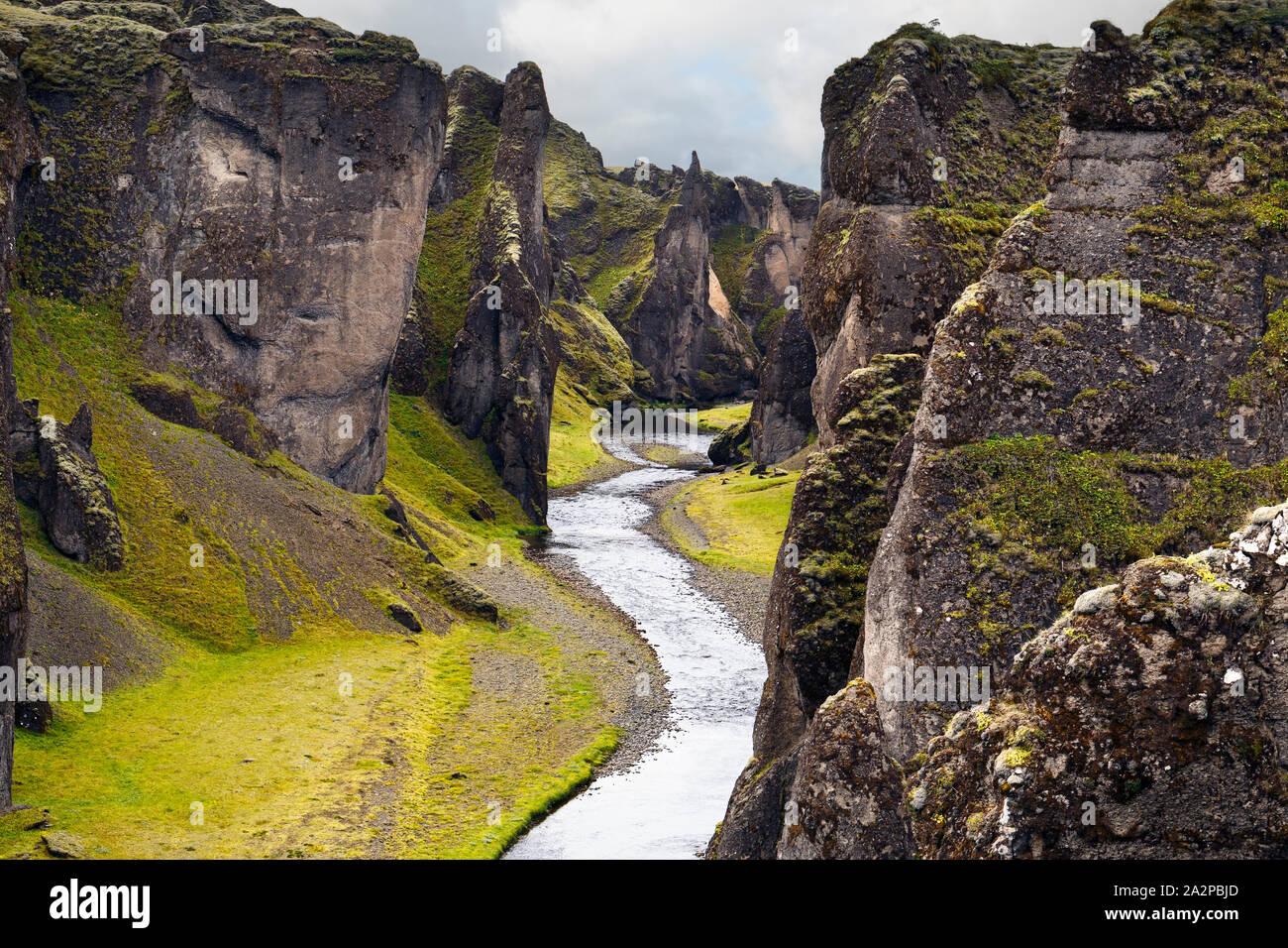 Cañón Fjadrargljufur en Islandia Foto de stock