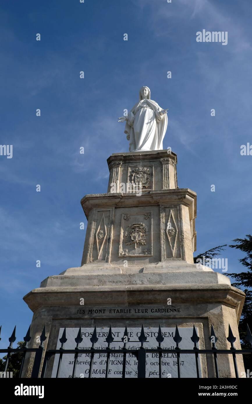 Francia, Vaucluse, naranja, la Sainte Eutrope hill, Virgen estatua Foto de stock