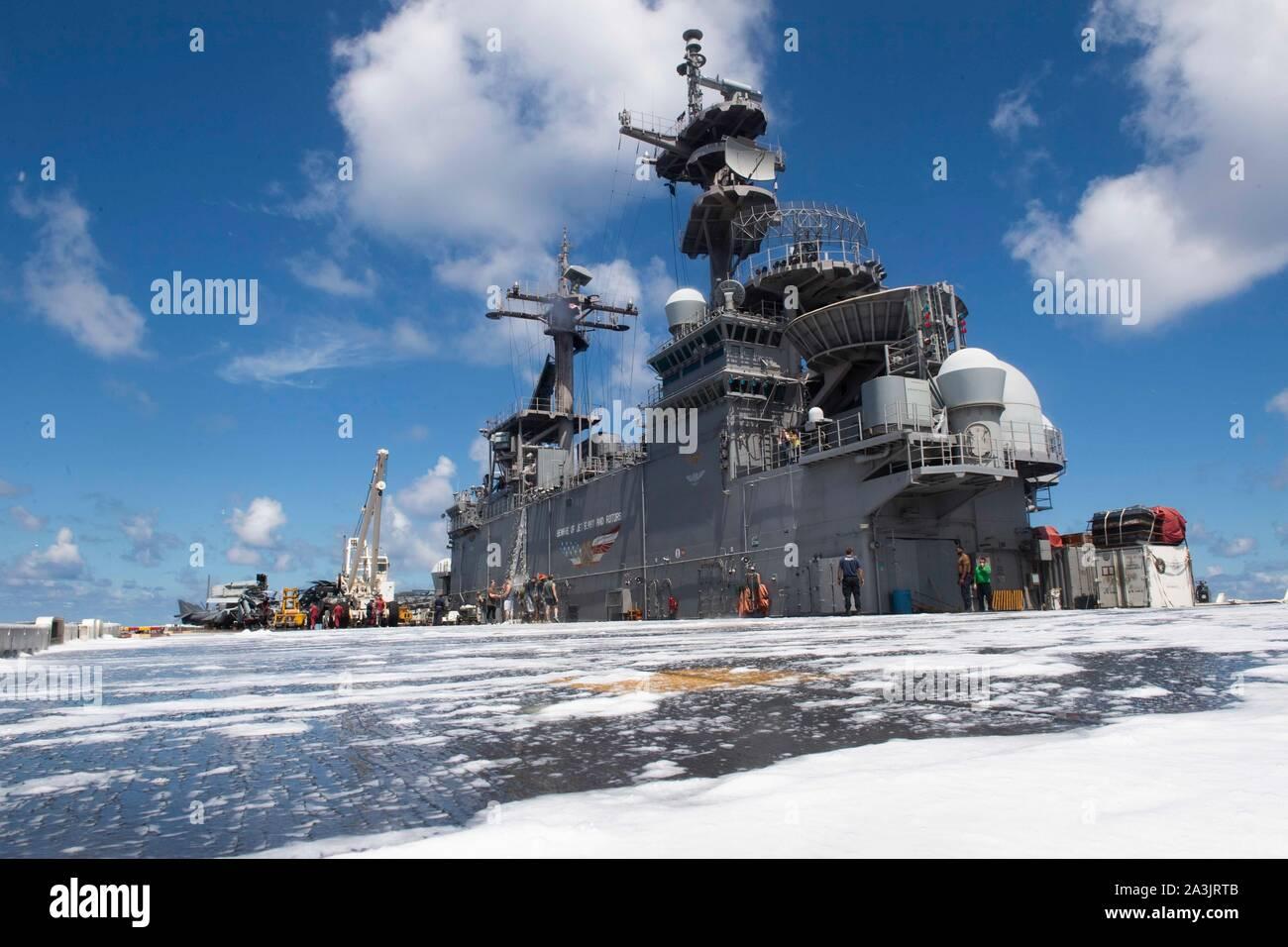 Amphibious Pelicula amphibious assault ship uss boxer lhd 4 imágenes de stock