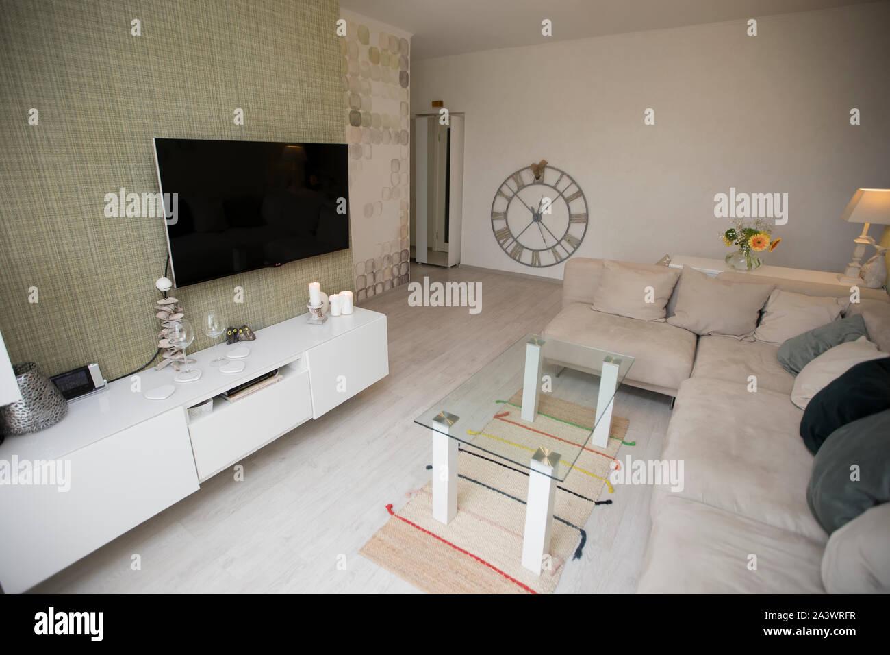 Belarus Gomel 21 De Marzo De 2019 Apartamento En Una Casa El Panel Interior De Una Pequena Sala De Estar En Un Apartamento Pequeno Fotografia De Stock Alamy