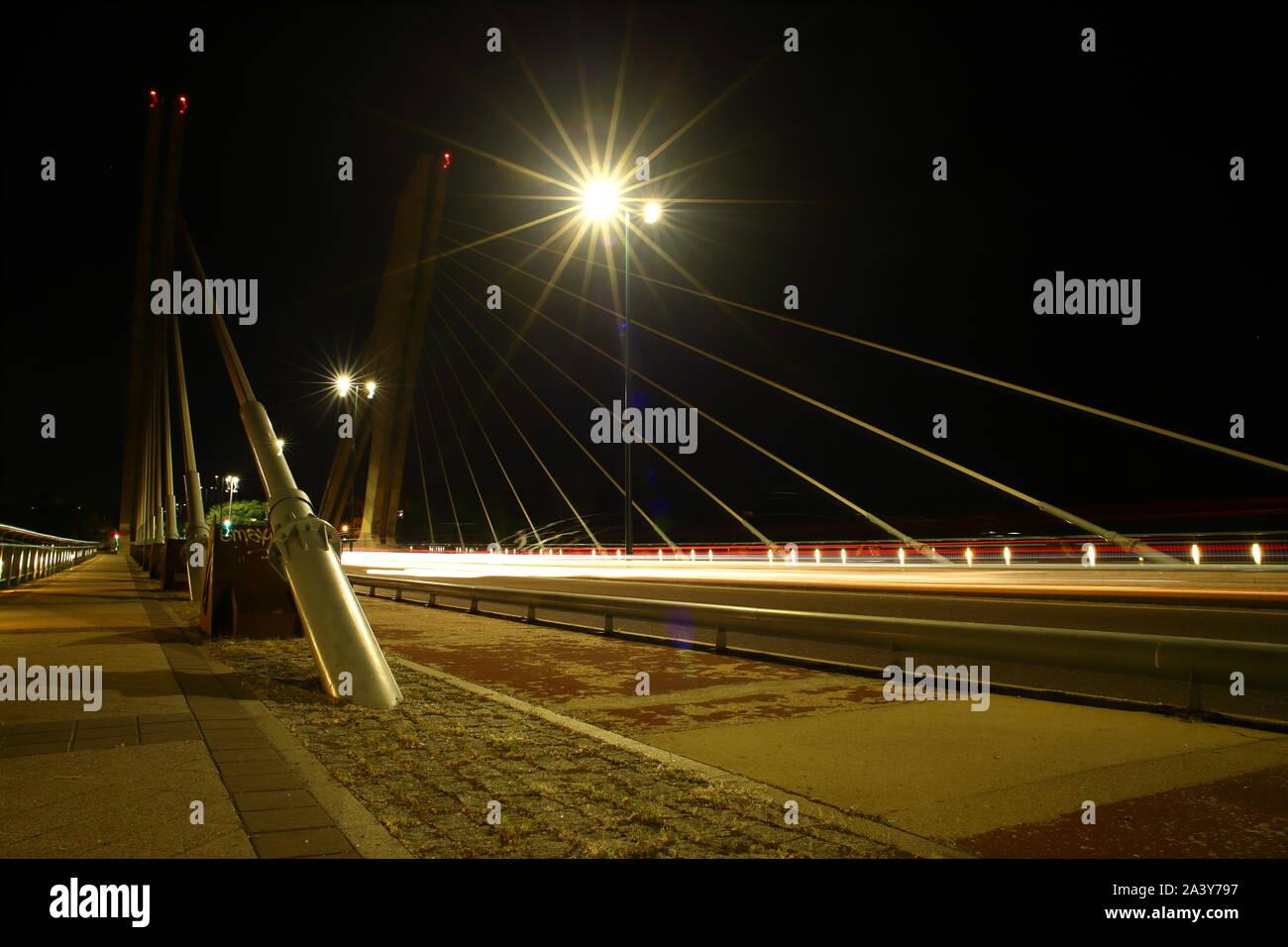 Puente de la hispanidad en Valladolid, Castilla y León, España Foto de stock