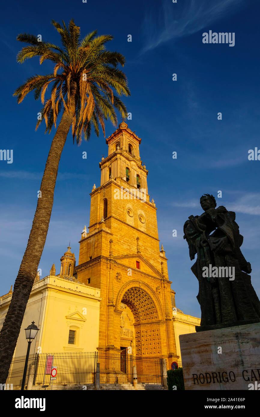 Iglesia gótica de Santa María de la Mesa, Utrera. Provincia de Sevilla. El sur de Andalucía, España. Europa Foto de stock