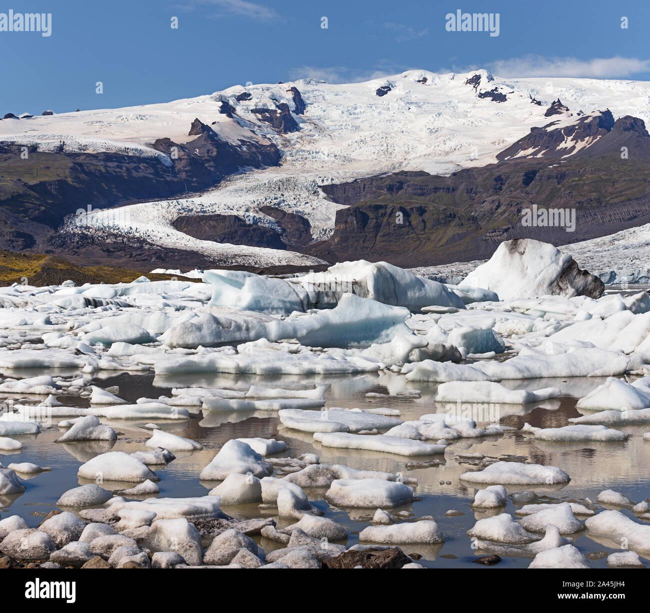 Laguna glaciar en Islandia Fjallsarlon Foto de stock