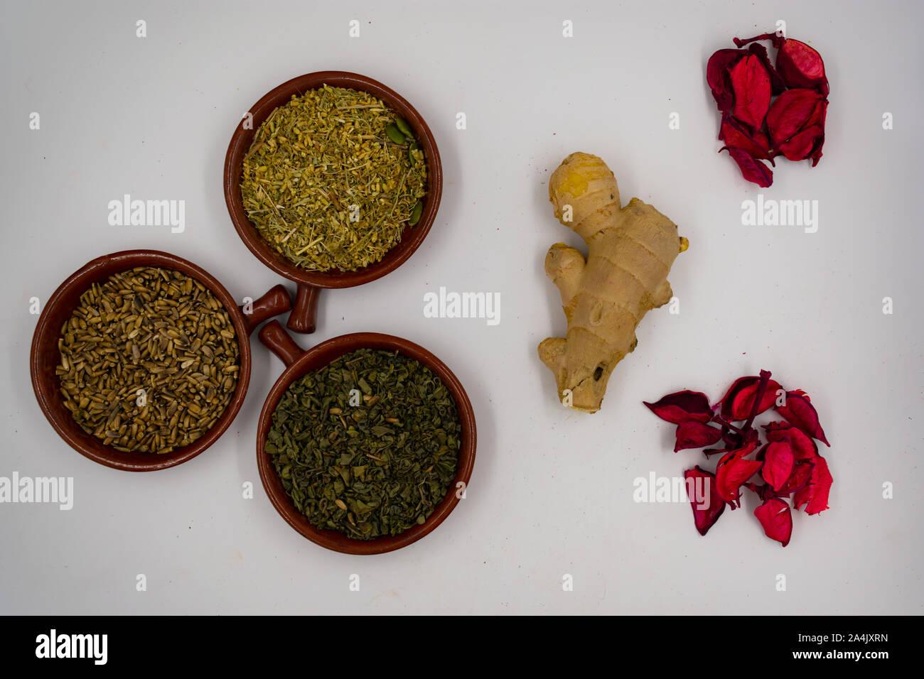 Las hierbas de la medicina tradicional, la naturopatía Foto de stock
