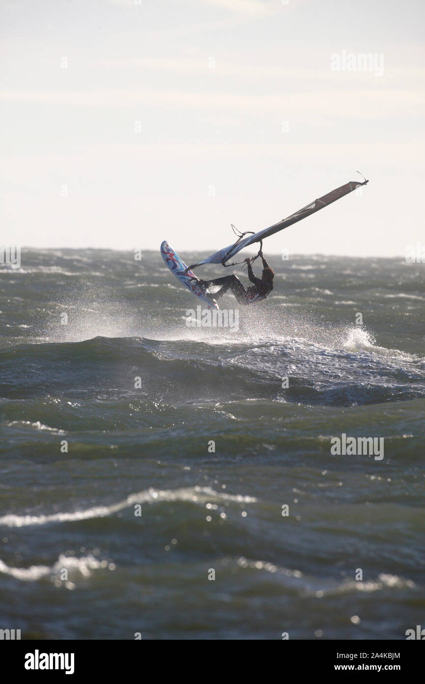 Windsurf en acción Foto de stock