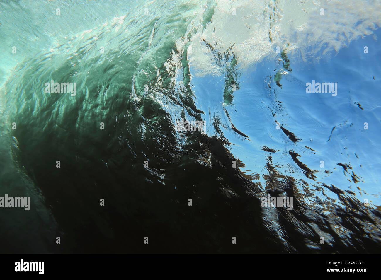 Bajo el agua vista de onda, Sumbawa, Indonesia Foto de stock