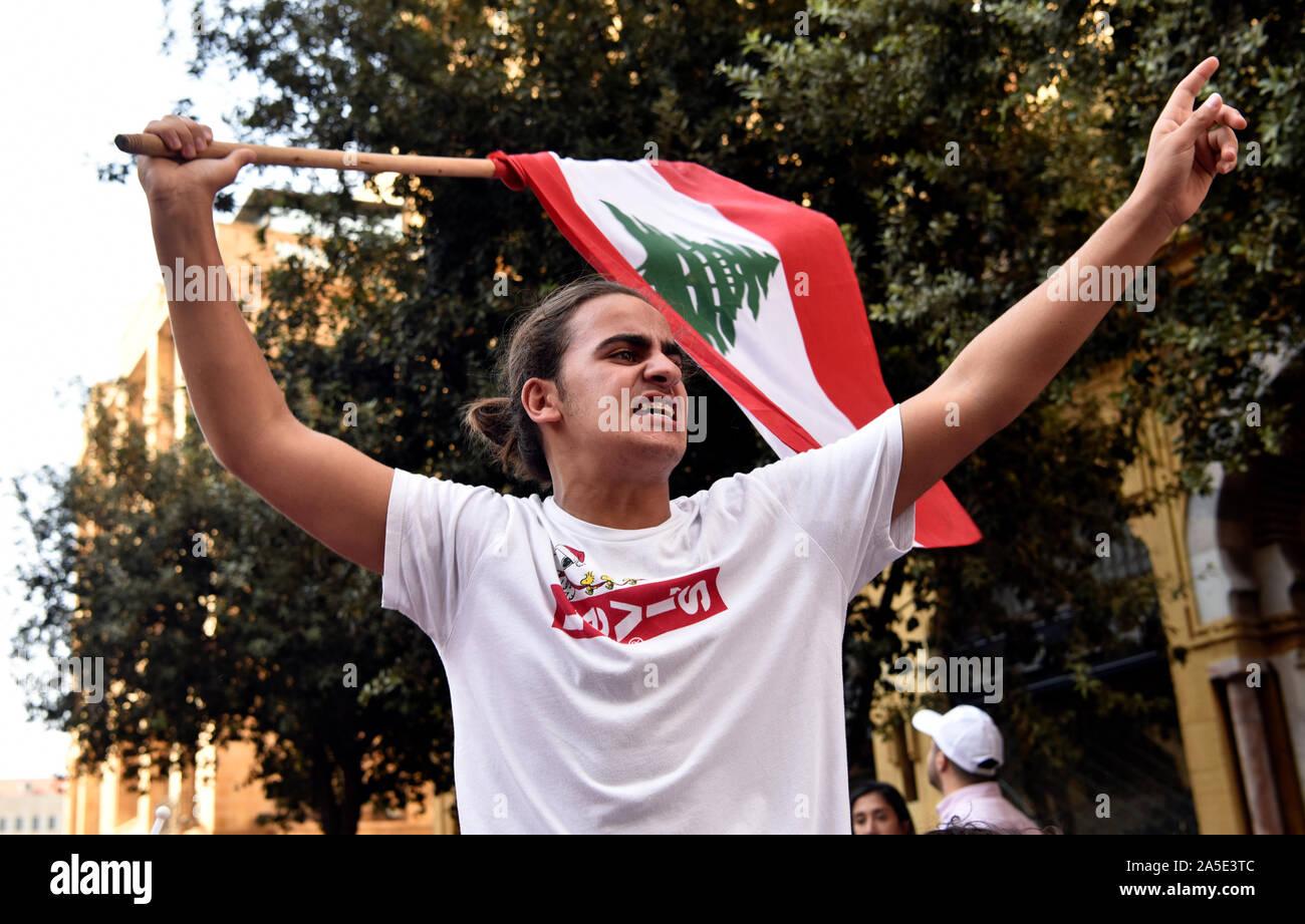 Las protestas contra el gobierno, el centro de Beirut, Líbano. 19 de octubre de 2019 Foto de stock