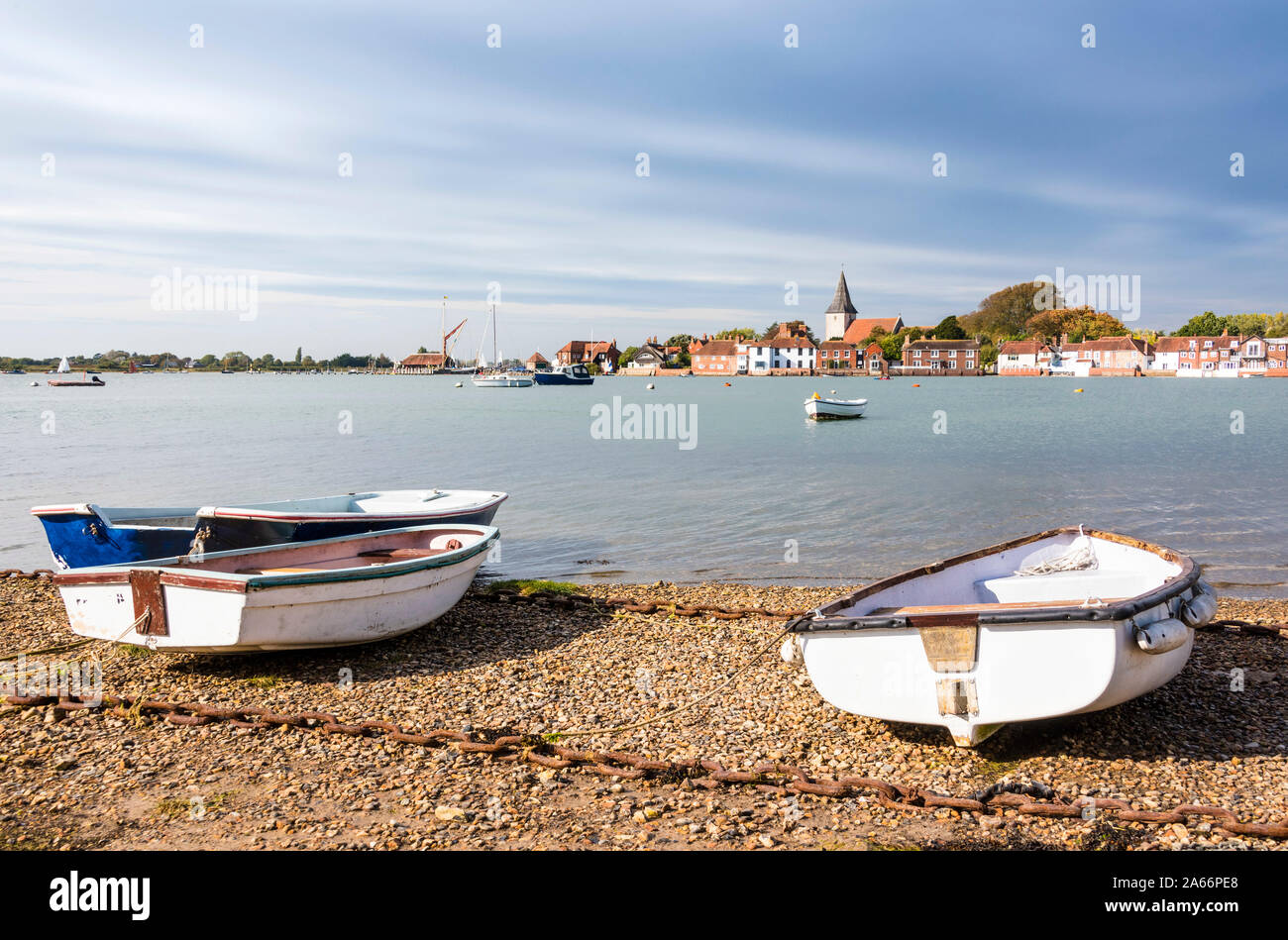 Bosham, un pequeño pueblo pintoresco en una de las pequeñas calas de Chichester Harbour, West Sussex, Inglaterra Foto de stock