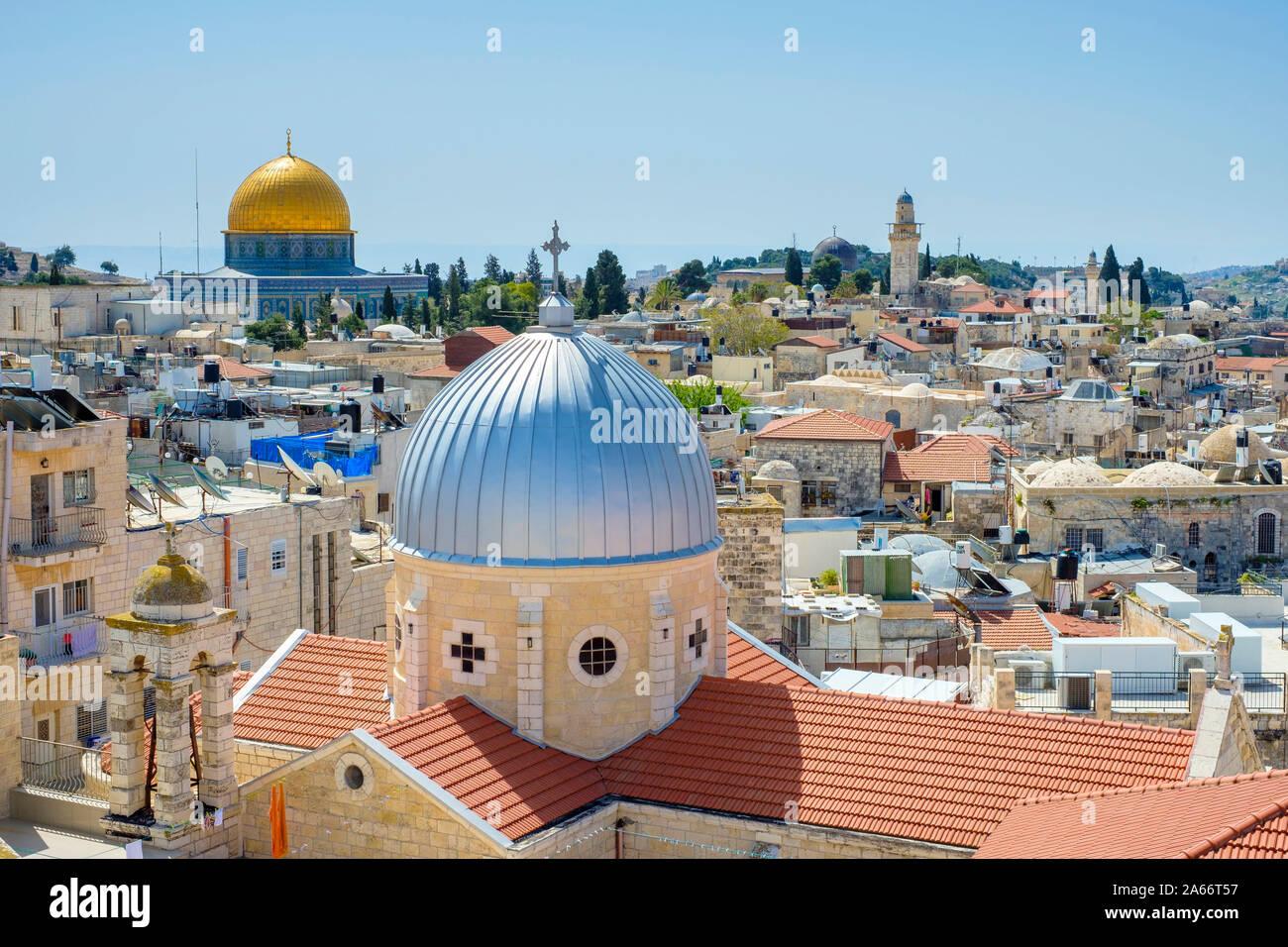 La cúpula de la roca y la iglesia de Santa María de agonía en la Ciudad Vieja de Jerusalén, Israel. Foto de stock