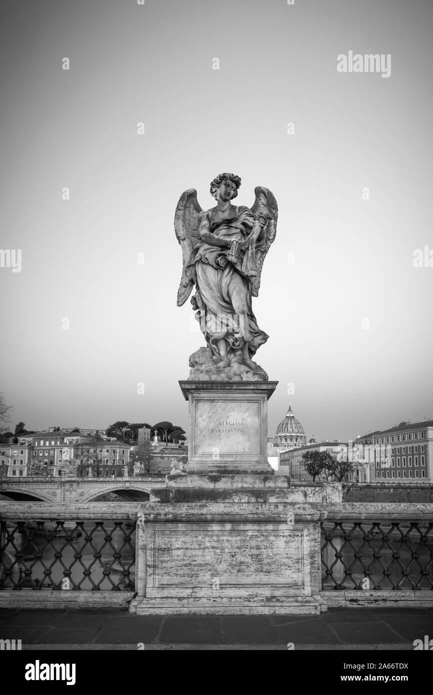 Italia, Lazio, Roma, el Ponte Sant'Angelo Foto de stock
