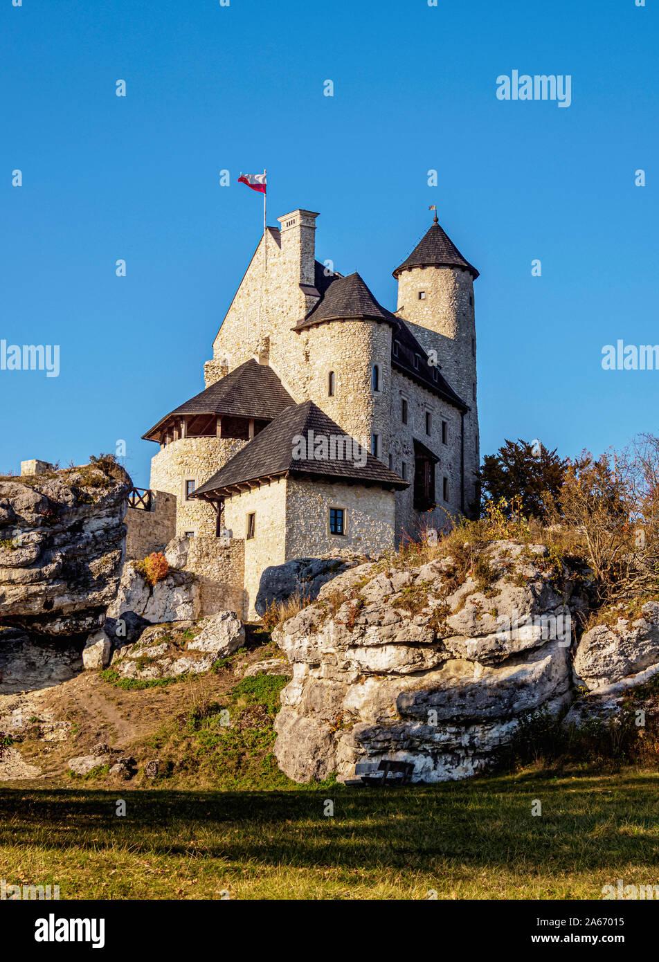 Bobolice Castillo Real, Sendero de los nidos de águilas, Krakow-Czestochowa Upland o polaco Jurassic Highland, Voivodato de Silesia, Polonia Foto de stock