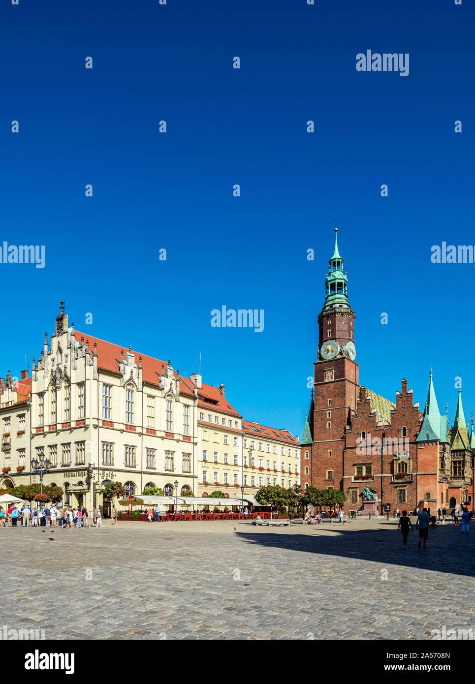 Ayuntamiento de la Ciudad Vieja, La Plaza del Mercado, Wroclaw, Voivodato de Baja Silesia, Polonia Foto de stock