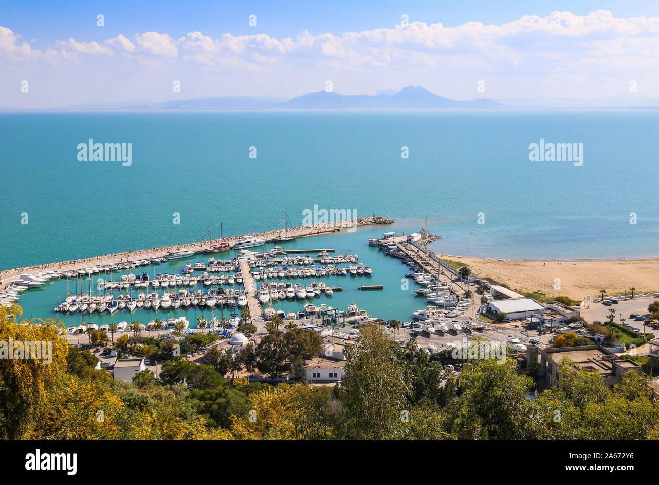 Túnez y Sidi Bou Said, Vista de Sidi Bou Said marina Foto de stock
