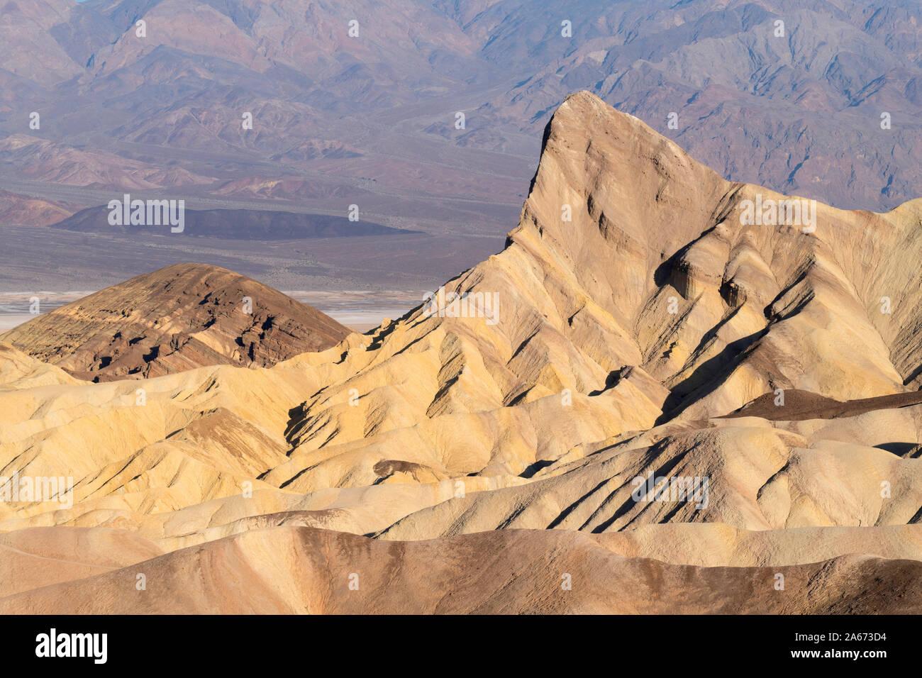Zabriskie Point, el Parque Nacional Valle de la Muerte, California, EE.UU. Foto de stock
