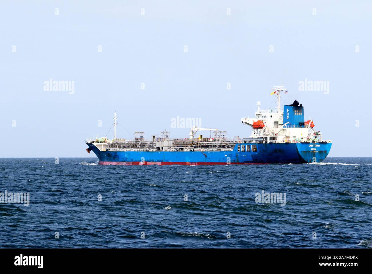 El Chem cisterna Taurus. Un aceite/quimiquero surcando la Bahía Delaware hacia el puerto de Filadelfia, Pensilvania, EE.UU. Foto de stock