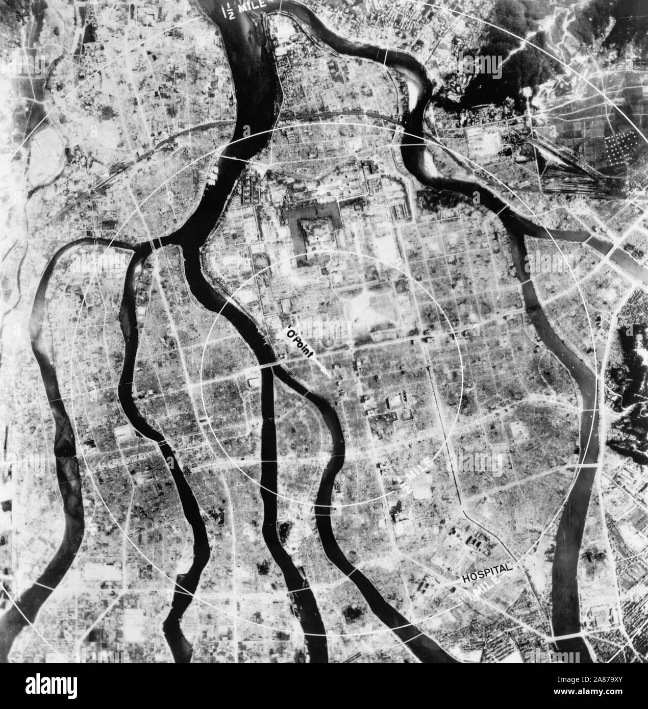 Vista aérea de Hiroshima después de la bomba, agosto de 1945 Fotografía de  stock - Alamy
