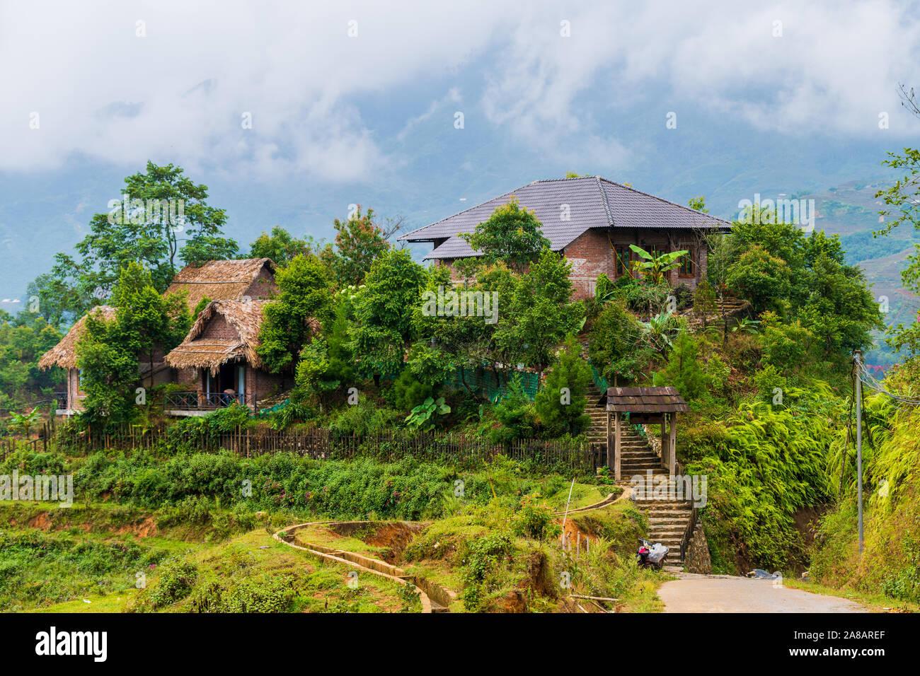 Casas Y Viviendas En La Parte Superior De Terrazas De Arroz