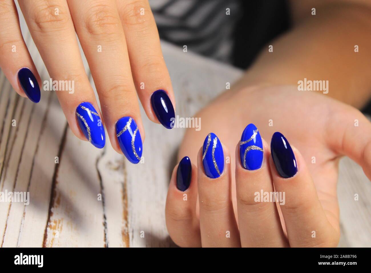 Elegante Diseño De Manicura De Uñas Largas Y Hermosas Foto