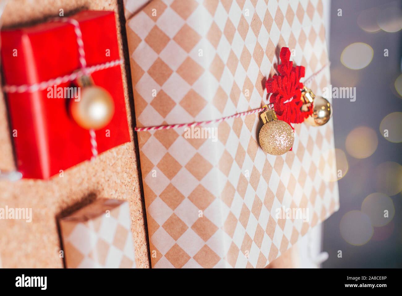Regalos Para Ninos Pequenos.Calendario De Adviento Con Pequenos Regalos Para Ninos Foto