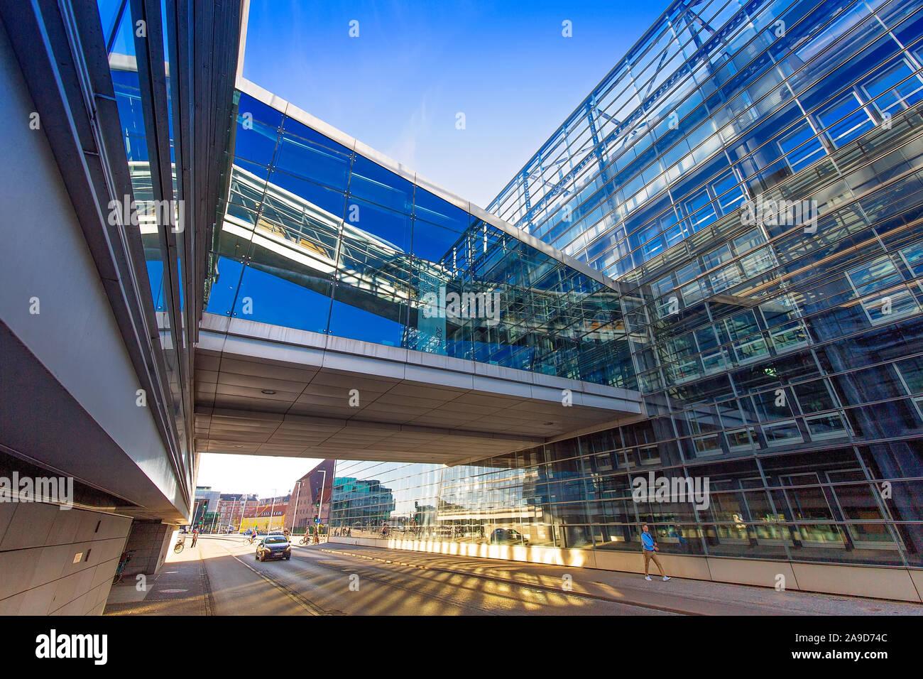 Copenhague, Dinamarca, del 2 de agosto, 2019: la Royal Library, la biblioteca nacional de Dinamarca y la biblioteca universitaria de la Universidad de Copenhague, una de las t Foto de stock