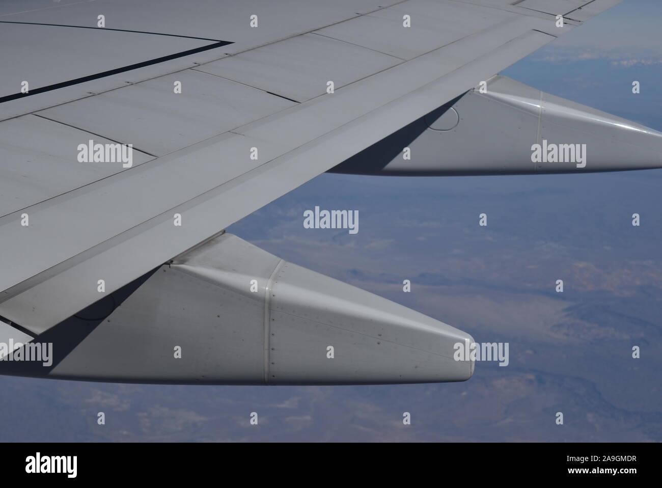 Vista desde la ventana del avión Foto de stock