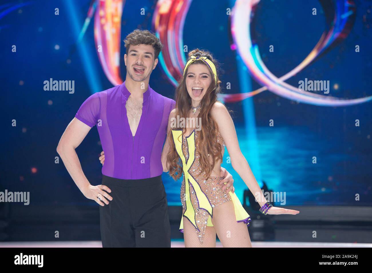 KLAUDIA CON K, modelo con su pareja de patinaje artístico Sevan LERCHE, presentación de los candidatos para SAT.1 de televisión Dancing on Ice, a partir del 15 de noviembre de 2019 todos los viernes a las 20.15 viven en SAT.1, 13.11.2019 en Koeln / Alemania | mundial de uso Foto de stock