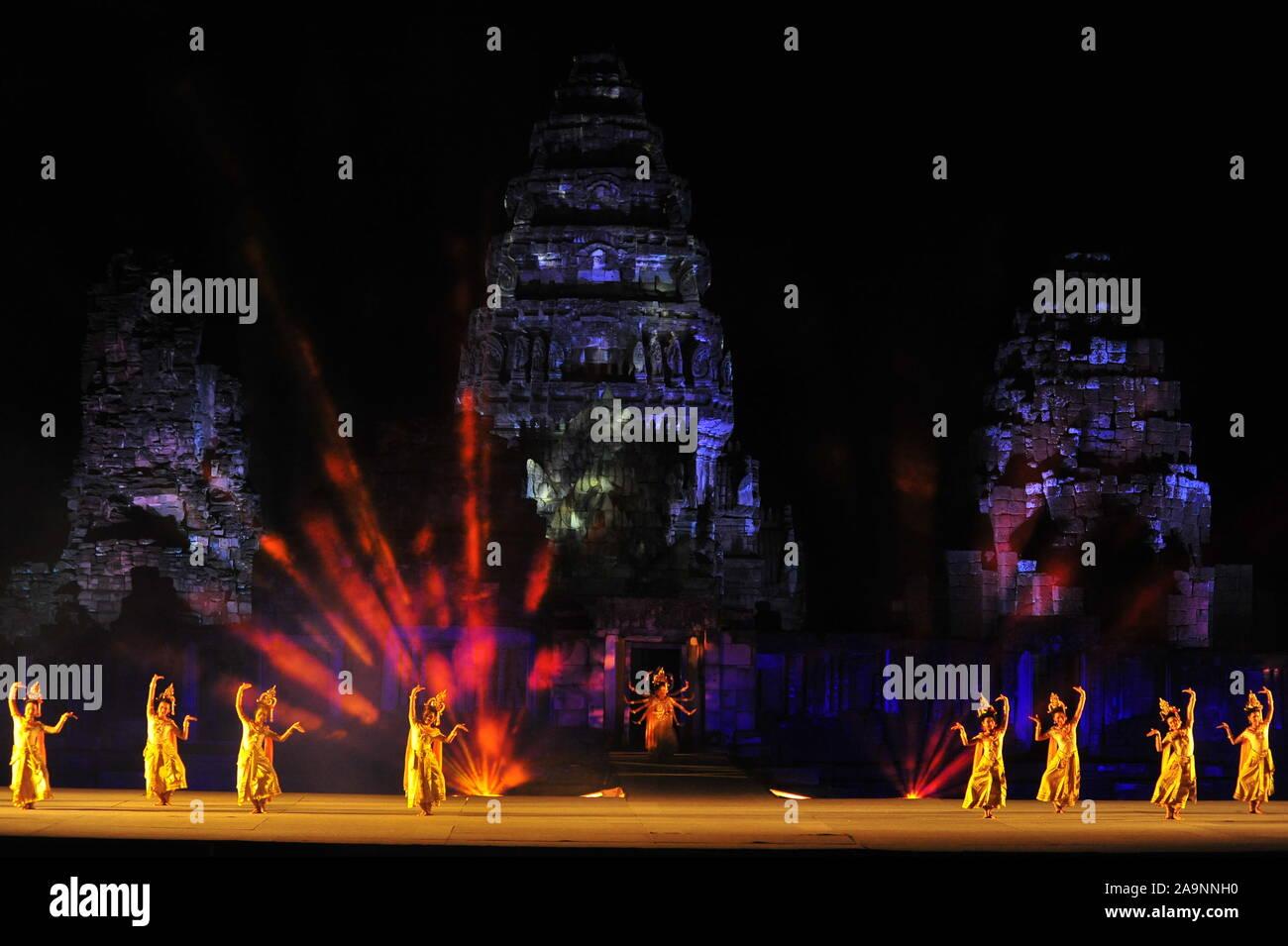 Nakhon Ratchasima, Tailandia - Noviembre 9,2019 : El Festival de Phimai 2019 tendrá lugar a partir de las 6ª-10ª de noviembre de 2019 en el Parque Histórico de Phimai, Foto de stock