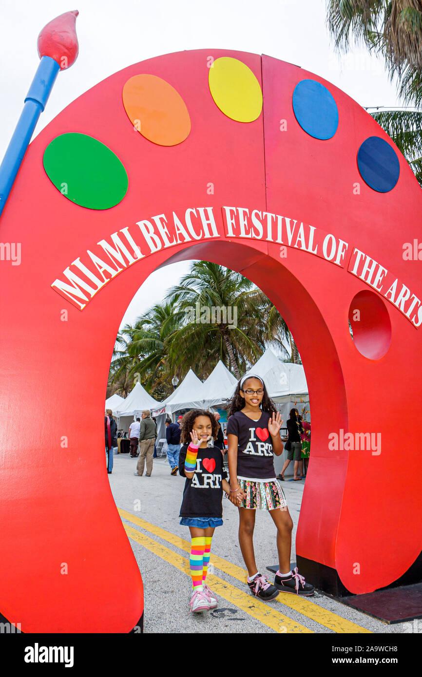 Florida, FL, Sur, Miami Beach, SoBe, Miami Beach Festival of the Arts, artista, expositores, evento comunitario, logo gigante, entrada, frente, turismo Foto de stock