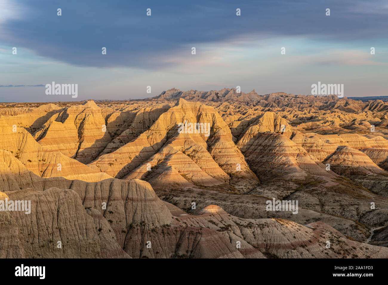 Panorámica del punto, puesta de sol, el Parque Nacional Badlands, Otoño, Dakota del Sur, EE.UU., por Dominique Braud/Dembinsky Foto Assoc Foto de stock