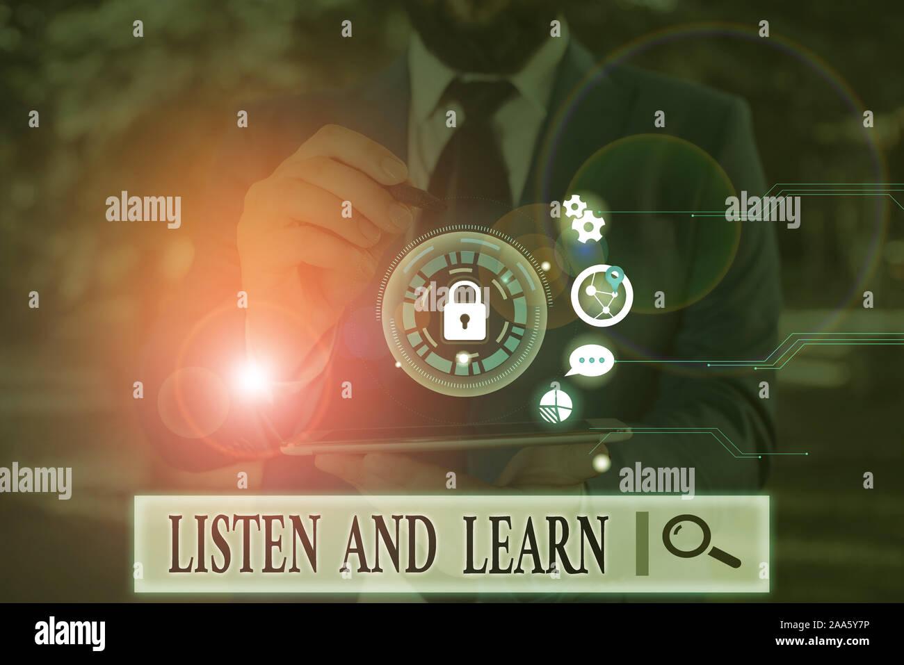 Texto de escritura de escuchar y aprender. Foto conceptual Preste atención para obtener conocimientos de enseñanza Conferencia Foto de stock