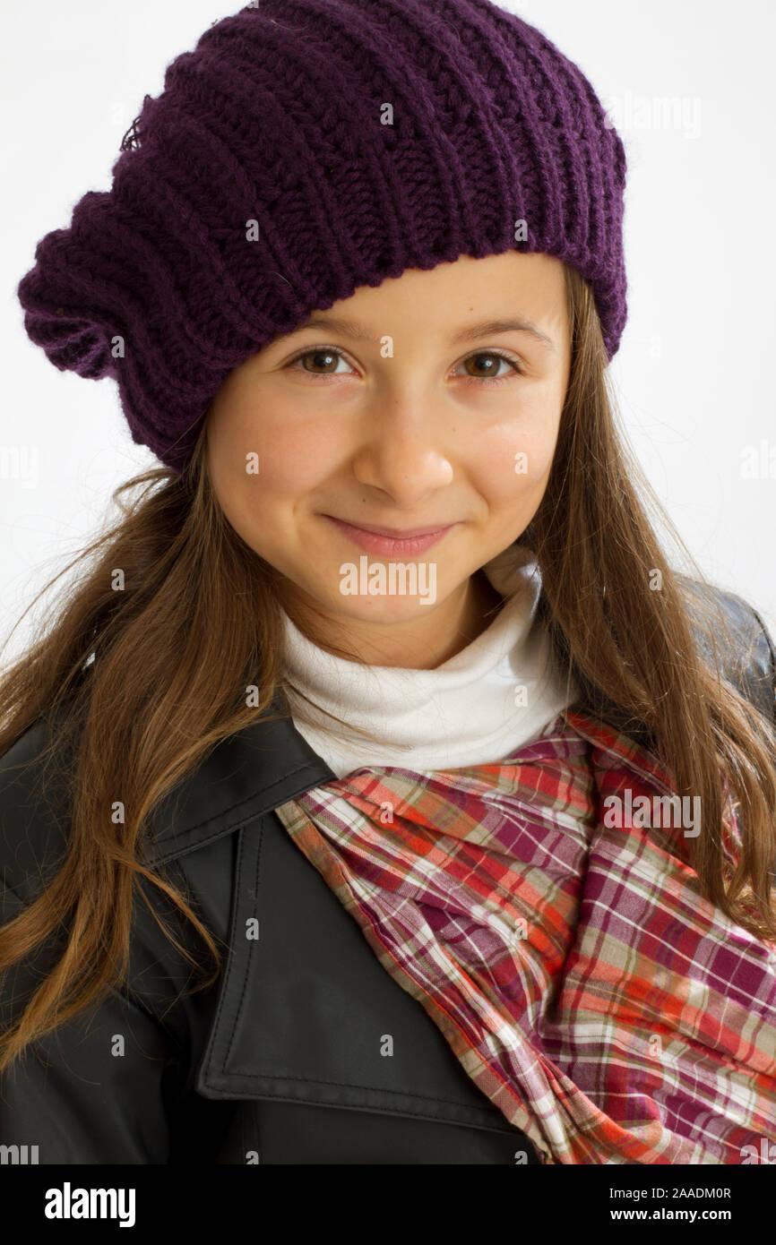 Modisch gekleidetes Mädchen Foto de stock
