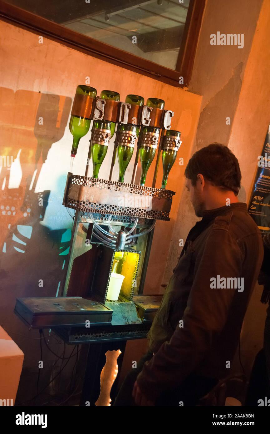 Wien, Roboexotica Roboter mixen, Bebidas Foto de stock