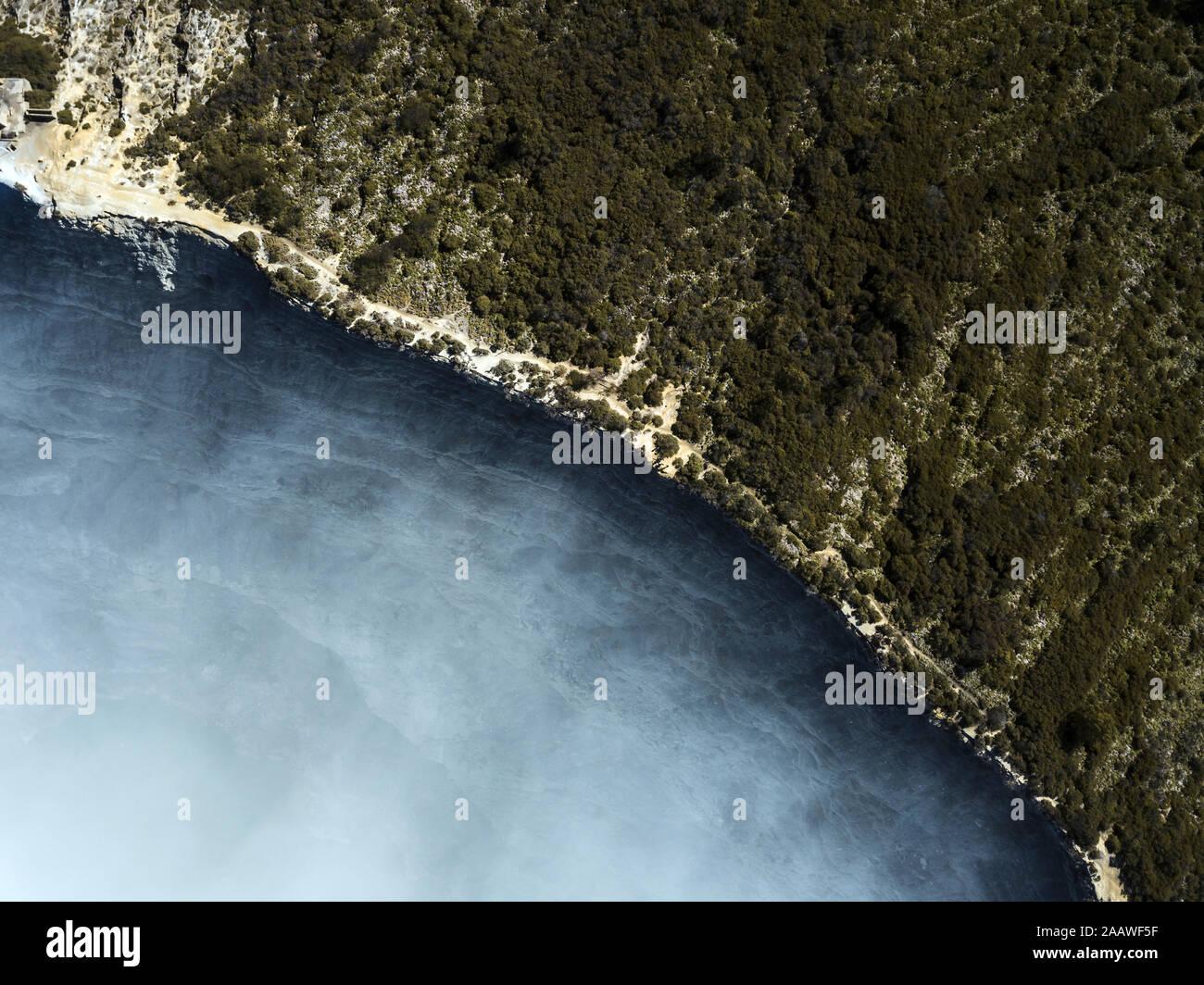 Indonesia, Java, vista aérea de la cresta del volcán Ijen Foto de stock