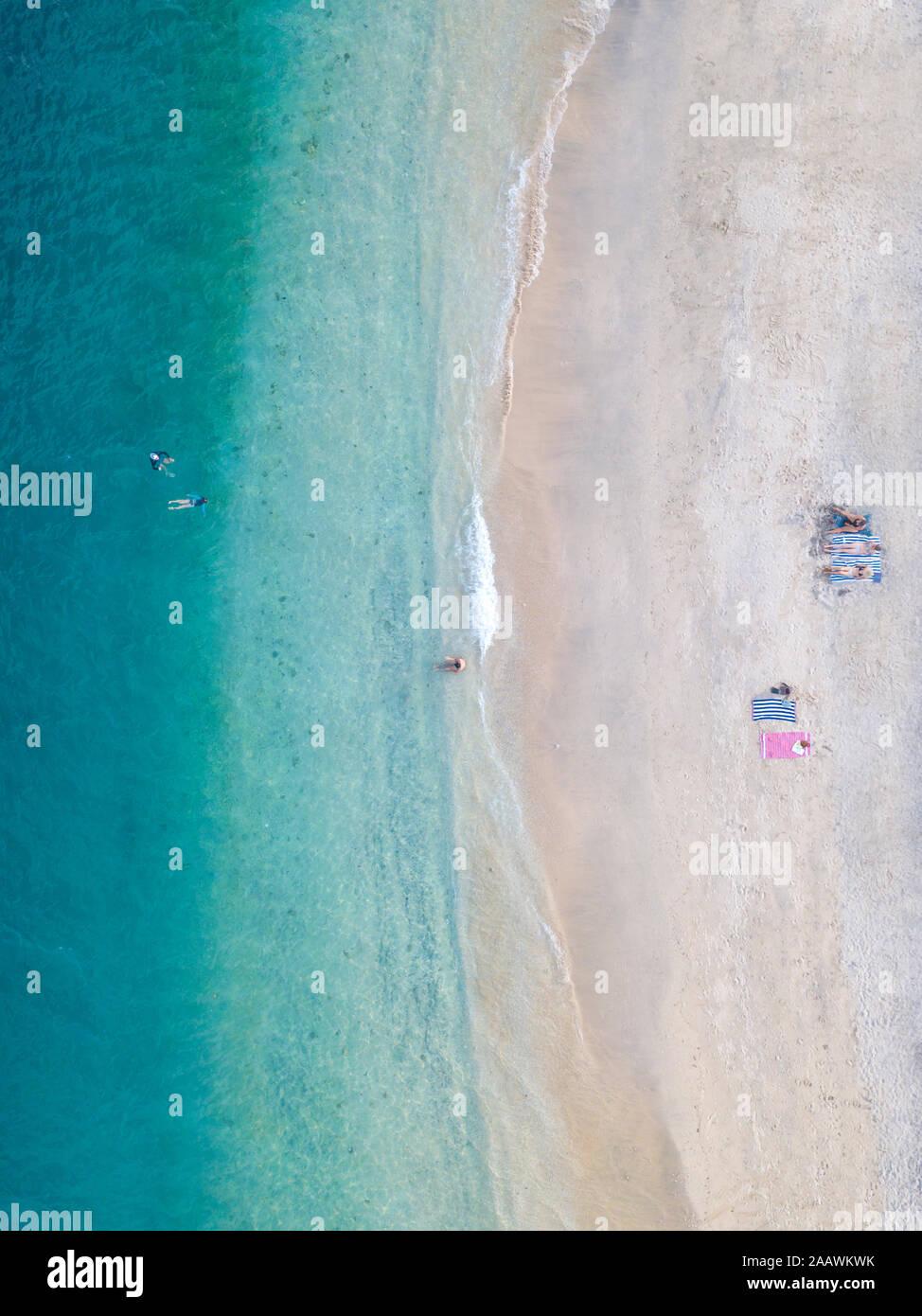 Vista aérea de la playa en Isla Gili-Air, Bali, Indonesia Foto de stock