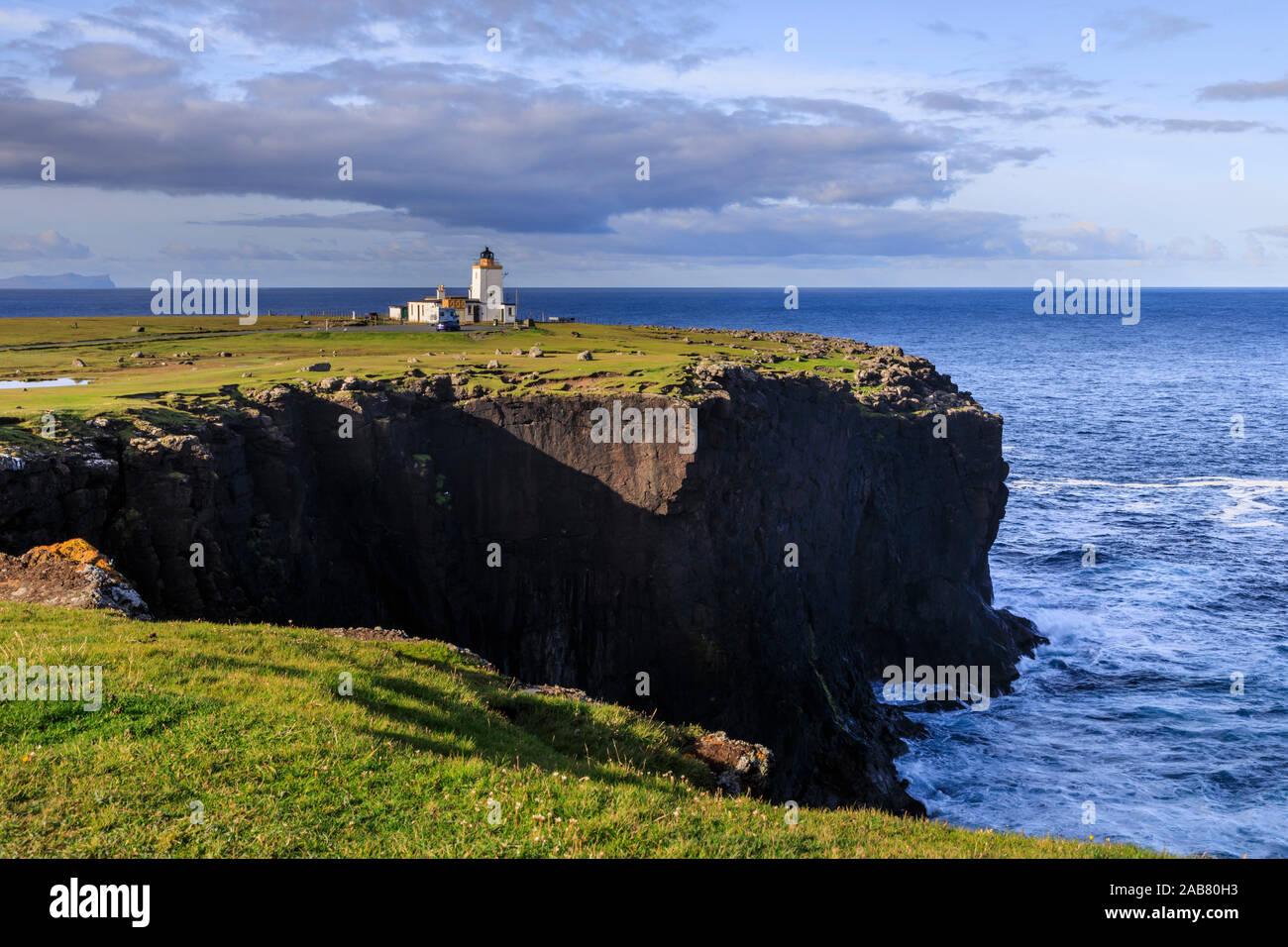 Faro Eshaness, Stevenson, 1929, acantilado de rocas, Northmavine, Continental, las Islas Shetland, Escocia, Reino Unido, Europa Foto de stock