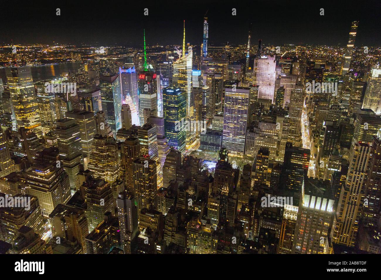 Manhattan En La Noche Fotografiado Desde La Terraza De