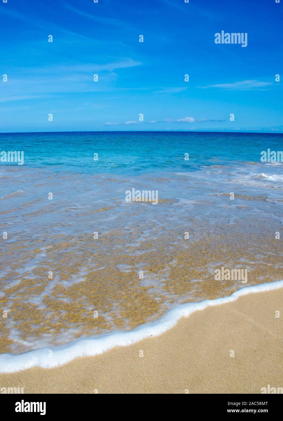 Hapuna Beach, a lo largo de la Isla Grande de Hawai'i's Kohala Coast. Esta playa de arena blanca, ha sido calificada como una de las mejores playas del mundo y el tiempo Foto de stock