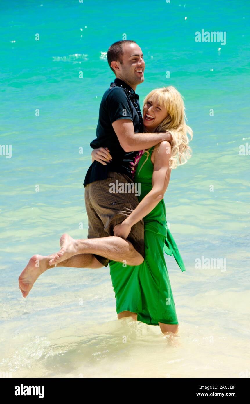 Kim y Lyle son recientemente comprometida después de seis años. A la hora de divertirse, estos dos saben realmente cómo perder! Foto de stock